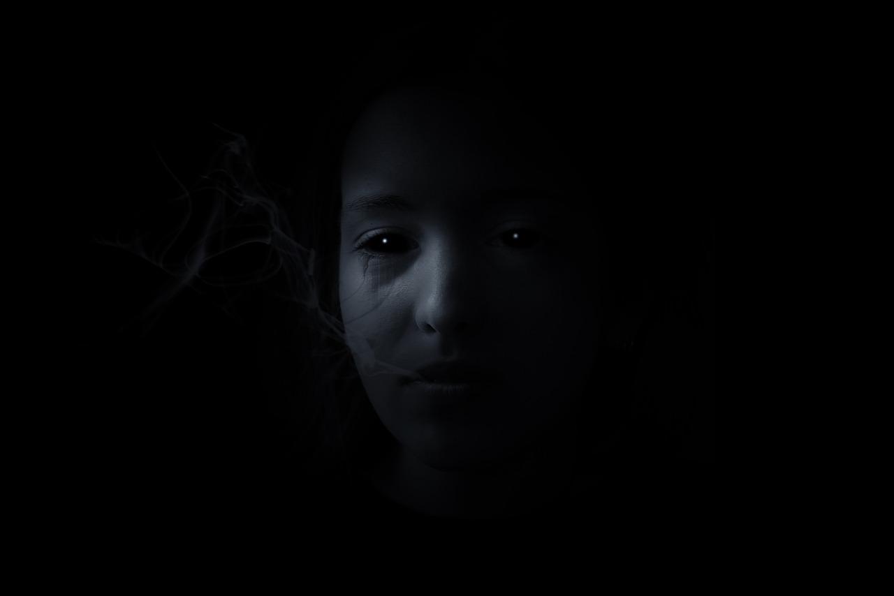 『あの部屋』の女の子