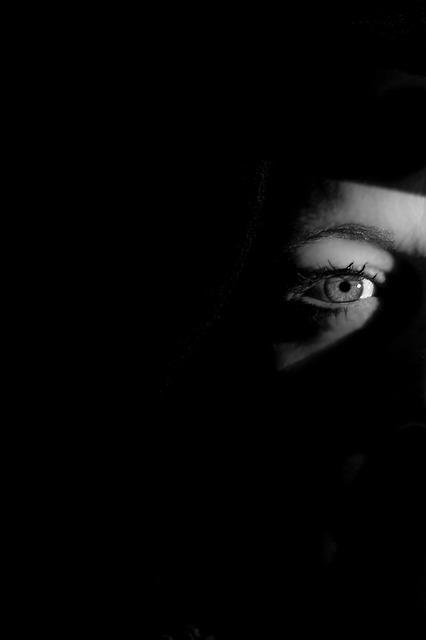 目と目の間、真夜中の訪問者