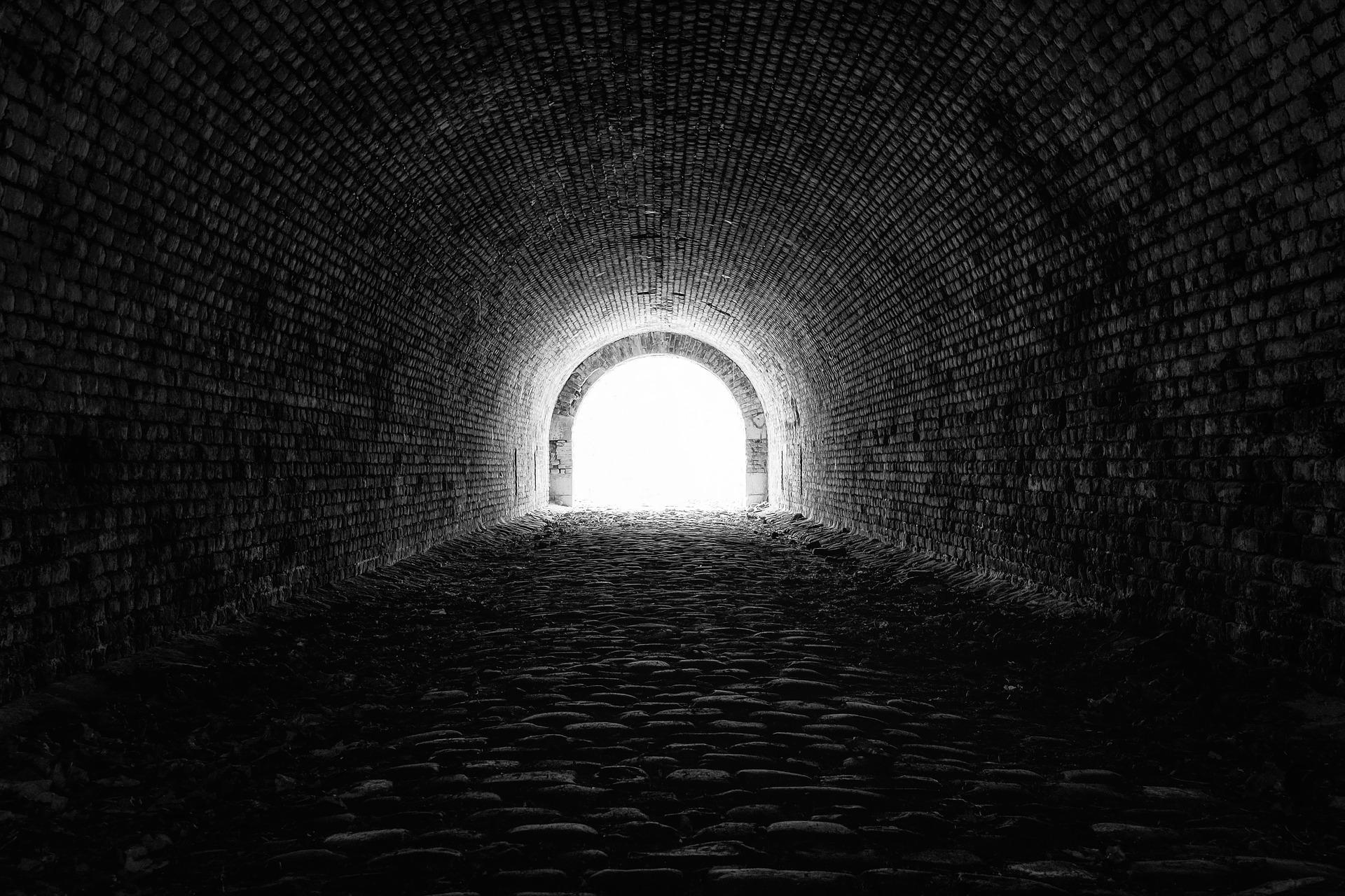 六甲山のトンネル